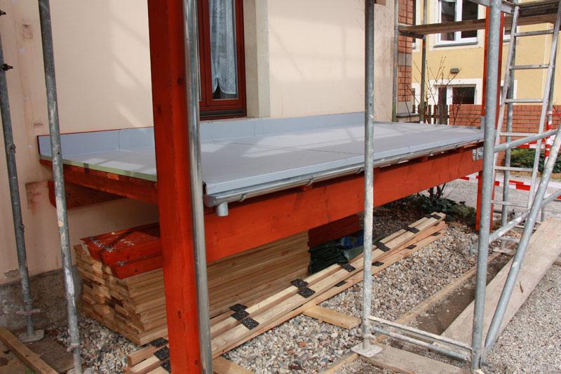 balkone terrassen berdachungen. Black Bedroom Furniture Sets. Home Design Ideas